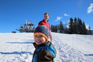 Jonas mit dem Leiter der Skischule Pertisau, Christoph Leitner.